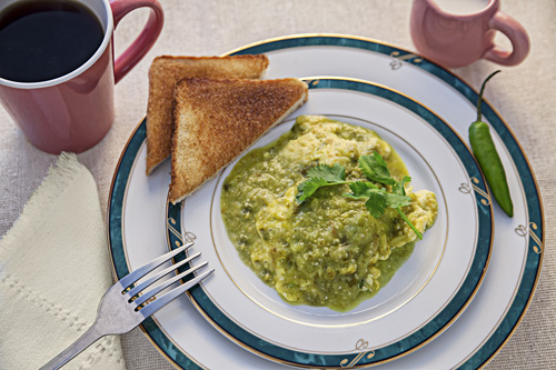 Scrambled Eggs in Green Salsa served with toasted bread